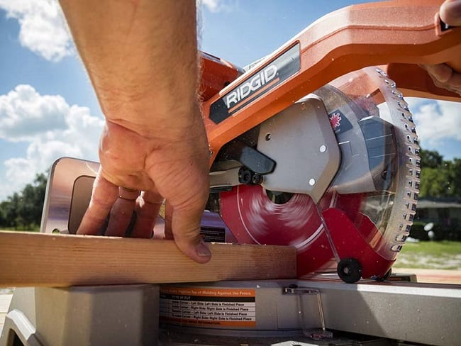 Circular Saw With Electric Brake
