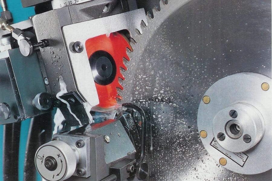 A Step By Step Guide For Saw Blade Sharpening