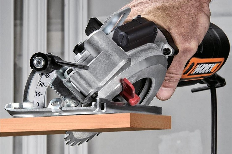 circular saw bevel capacity