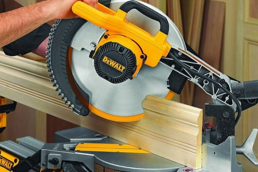 Cutting Wood With DEWALT DW715