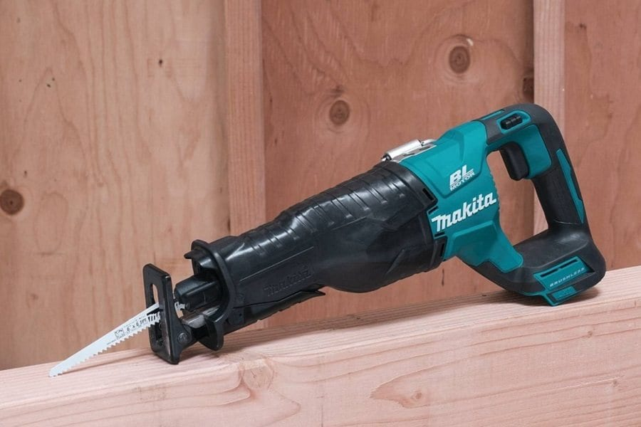 Makita XRJ05Z reciprocating saw